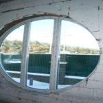 Овальное пластиковое окно